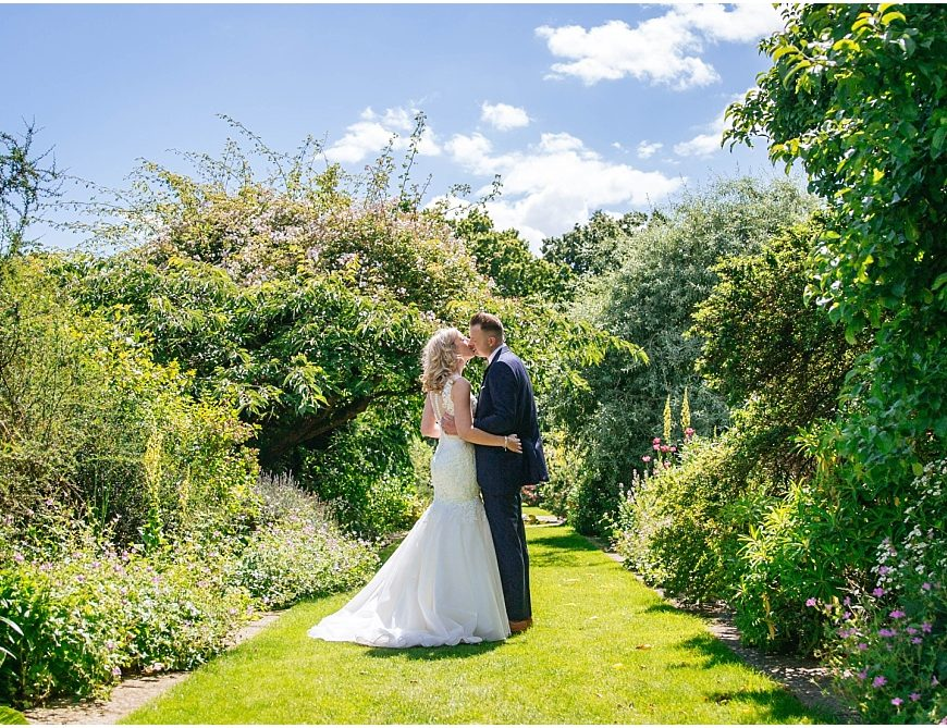 Micklefield Hall Wedding Photography – Lucy & Ian get married in Hertfordshire