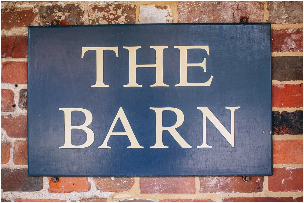 Sign saying the barn