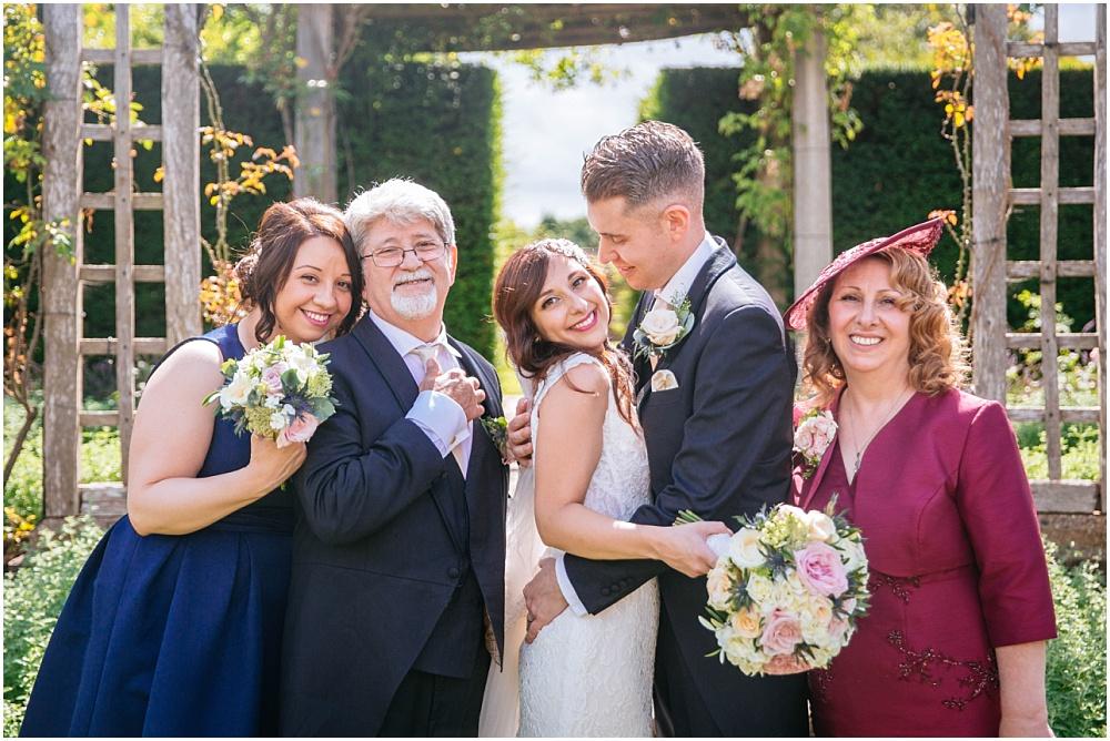 Stunning family photo at wedding