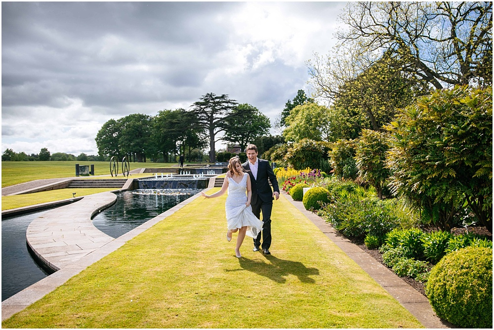 Relaxed happy wedding photography in hertfordshire