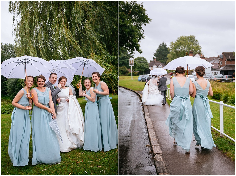 fun rainy wedding photos
