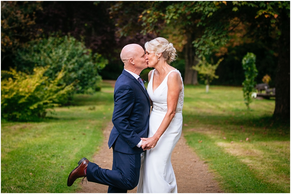 Ramster Hall Wedding Photography – Sally & Steve's relaxed Surrey wedding