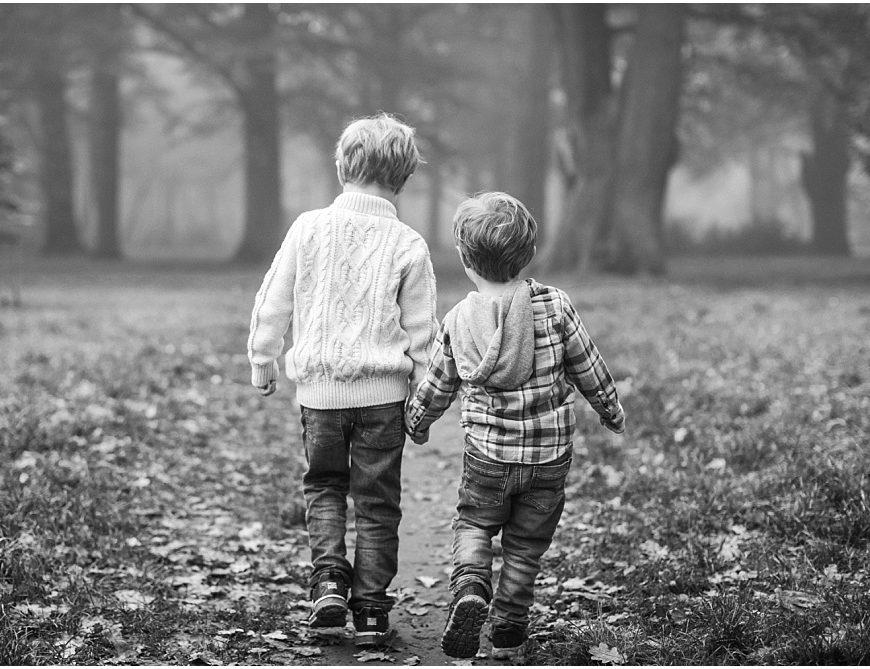 Windsor Park Family Photographer – a foggy autumn photoshoot