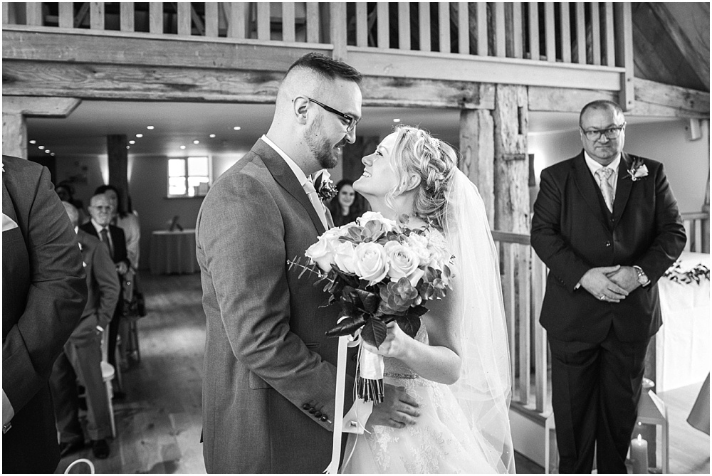 Kiss before ceremony