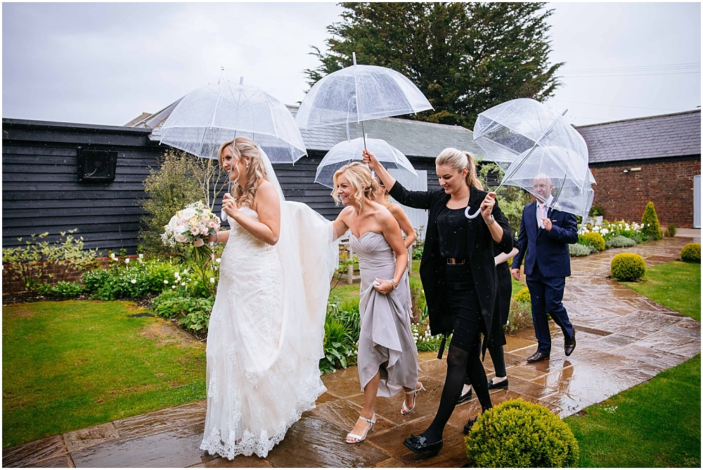Rainy farbridge wedding
