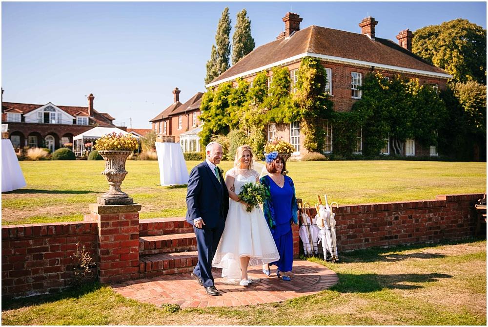 Bride arrives at hoppa