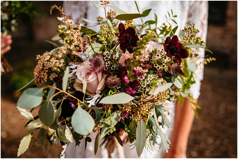 stunning autumn bridal bouquet