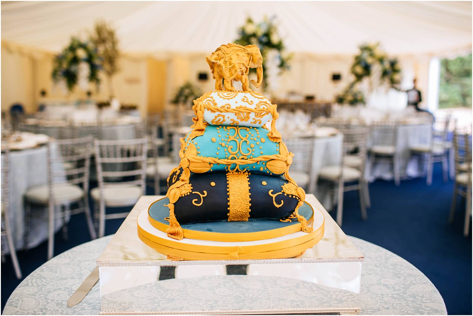 elephant wedding cake