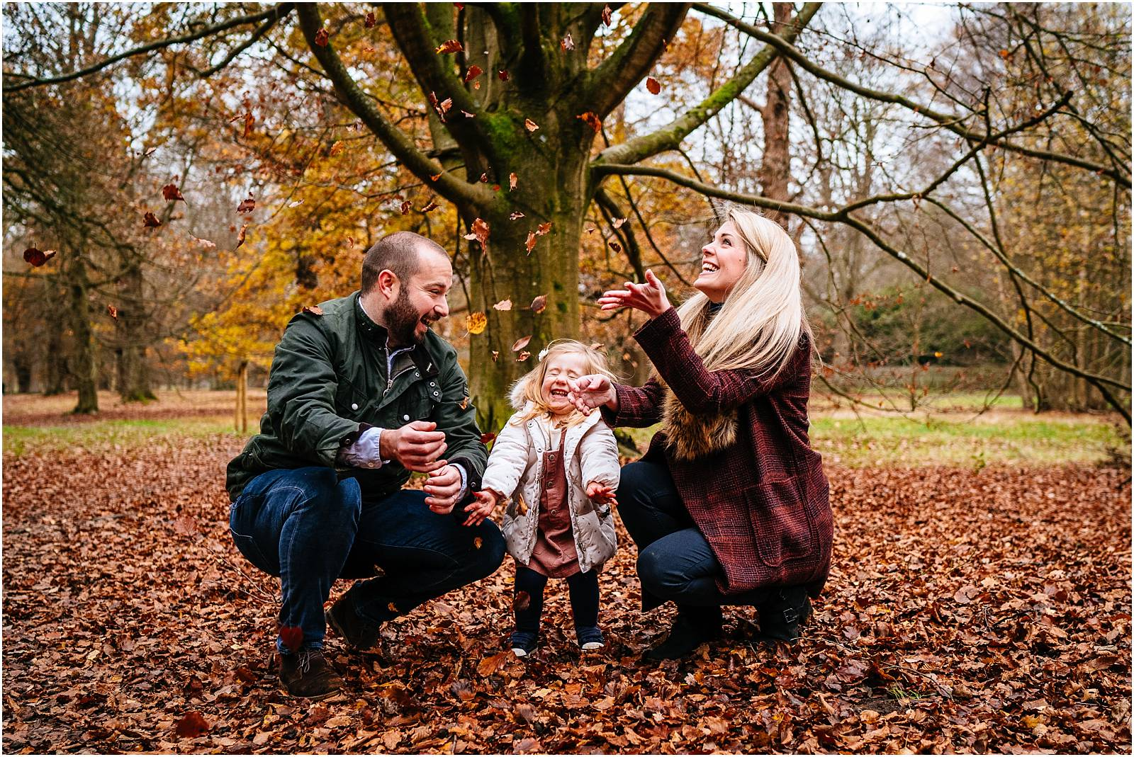 Windsor Family Photographer – Poppy and the autumn leaves