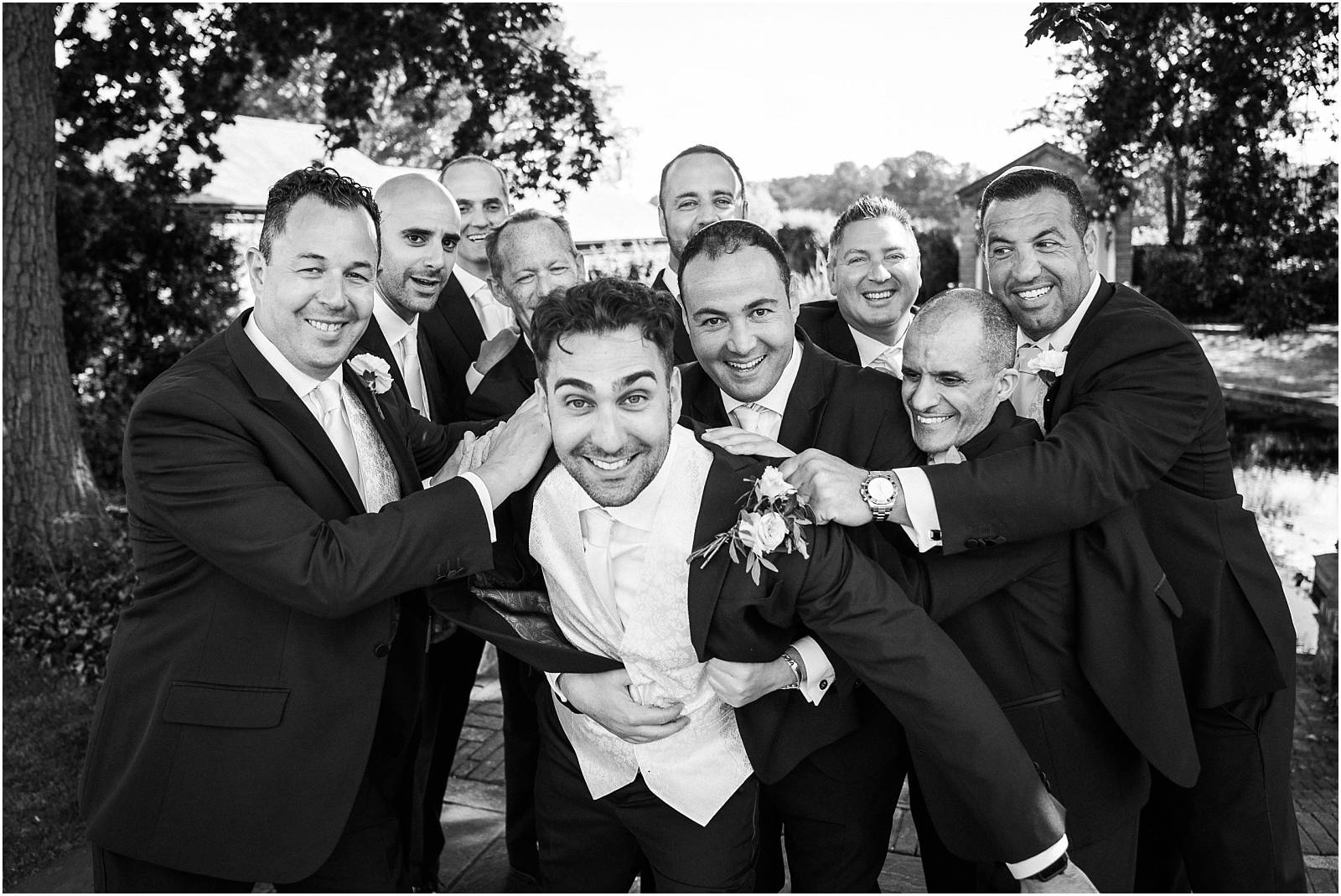 funny groom and groomsmen pics