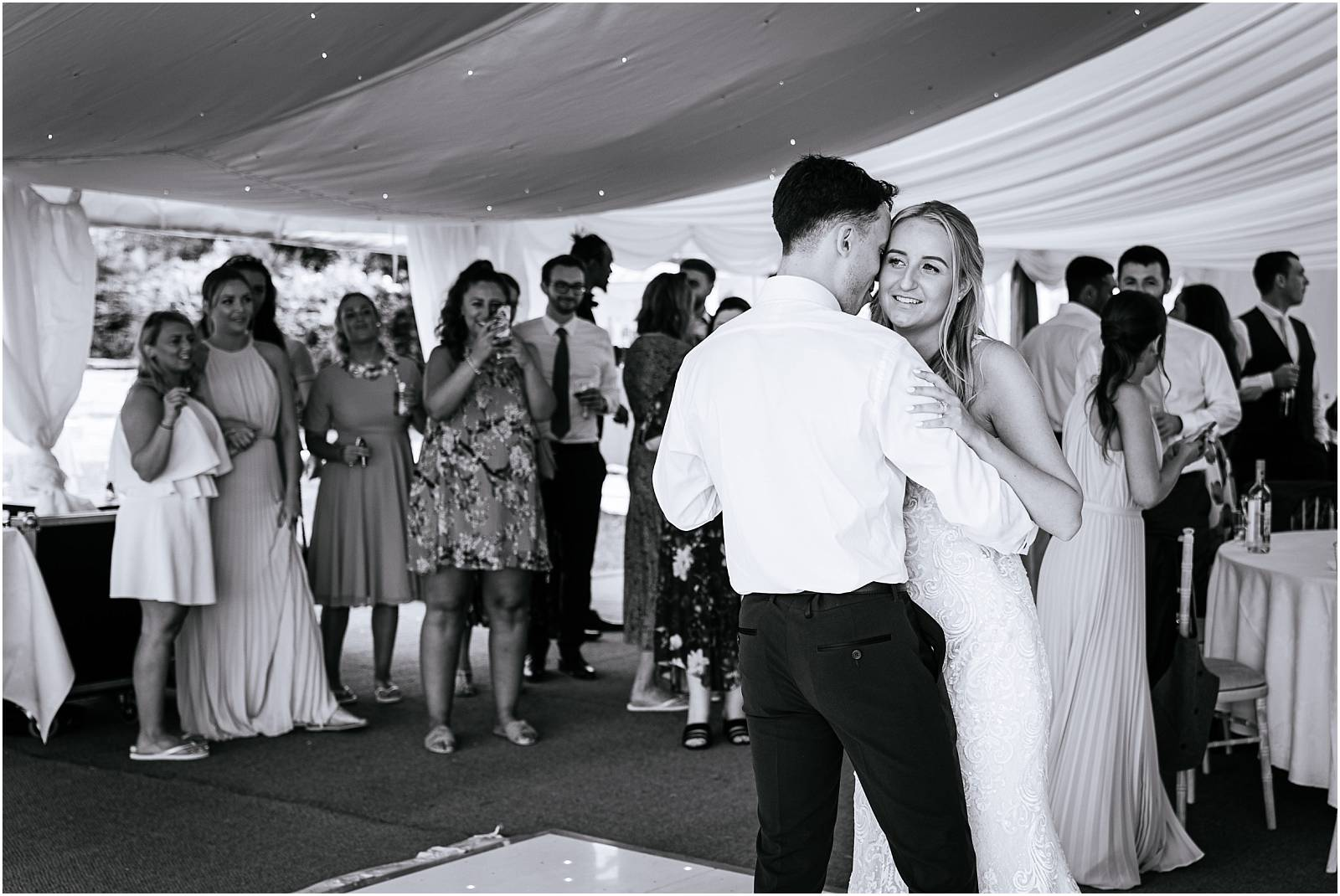 Surrey wedding photographer first dance