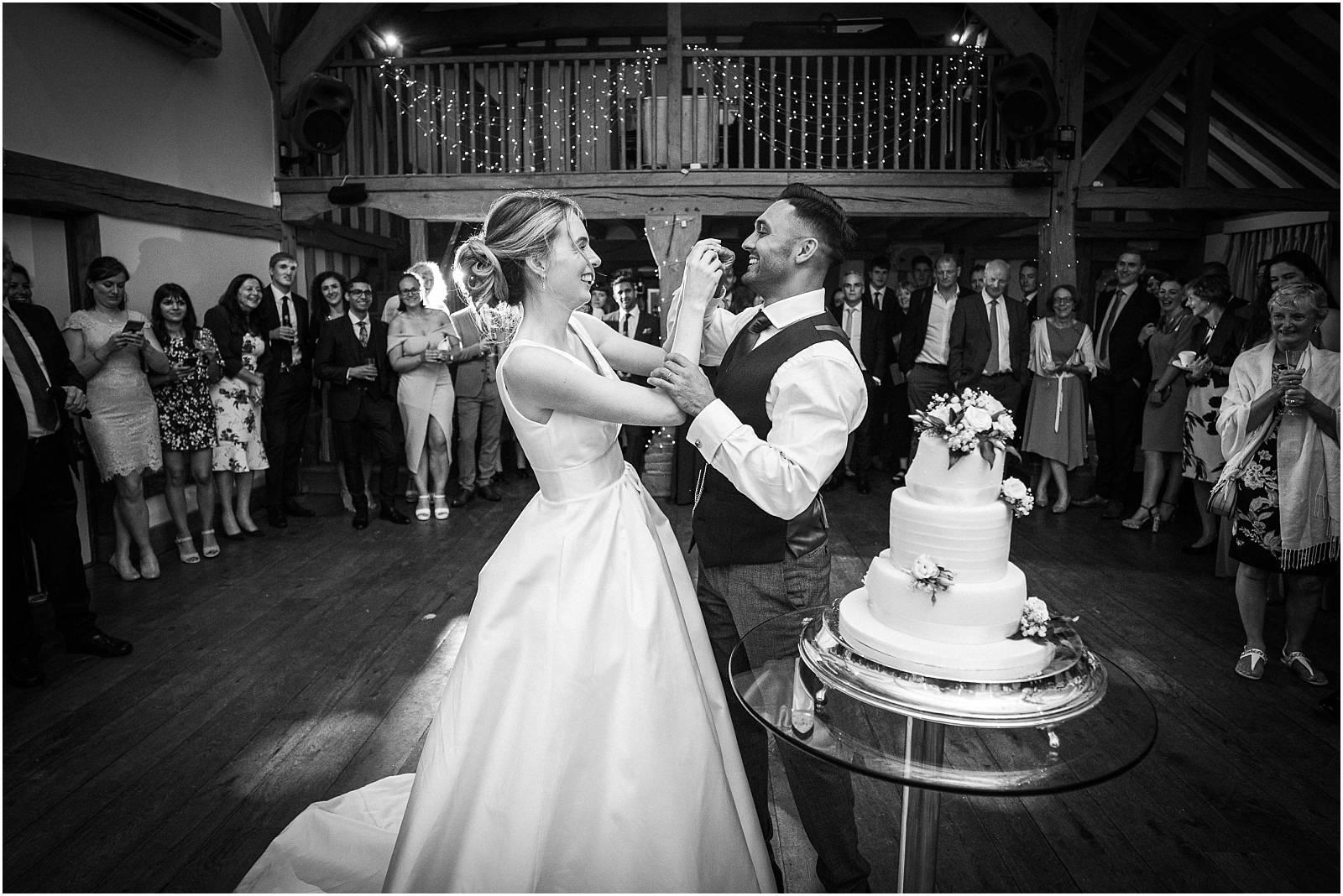 cake smoosh at uk wedding
