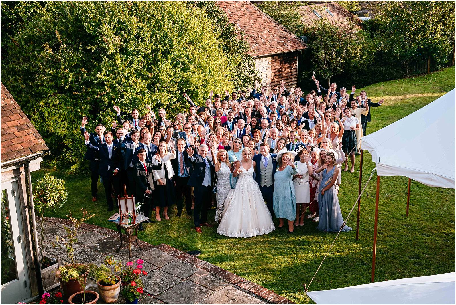 photo of everybody at wedding