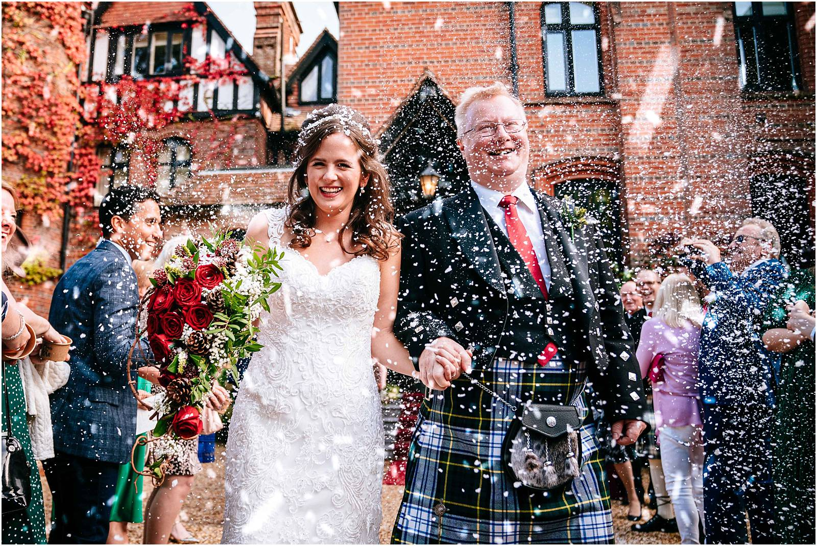 Hampshire Wedding Photographer – Hannah & Keith's Careys Manor wedding
